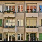 Quartier-Sommer (AF-Nikkor 3.3-4.5 / 24-50mm / Jg. ca. 1990)